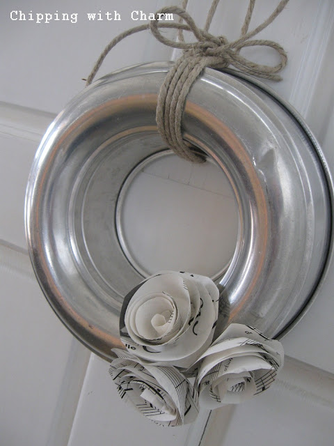 Chipping with Charm: Spring Mold Wreath...http://chippingwithcharm.blogspot.com/