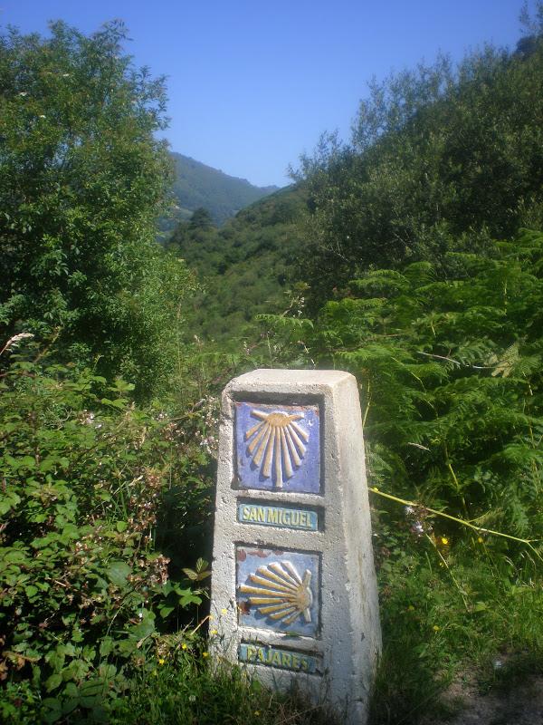Mojón del Camino del Salvador, Camino de Santiago