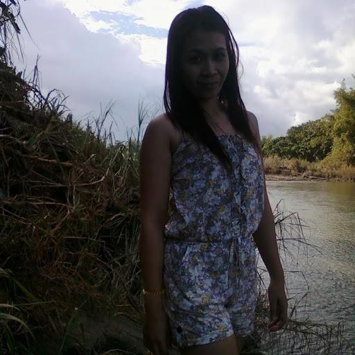 Tina De Leon Photo 5