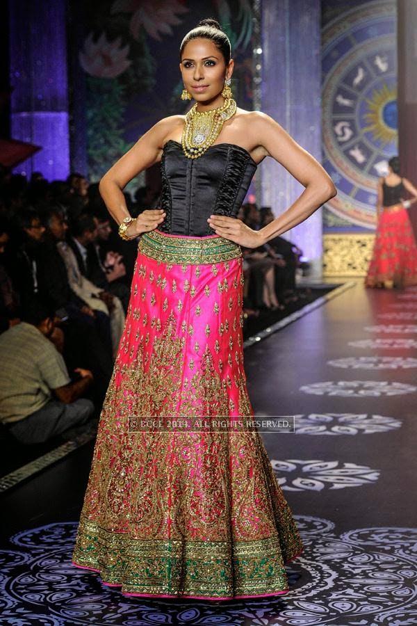 Candice Pinto walks the ramp for the finale of India International Jewellery Week (IIJW), 2014, held at Grand Hyatt, in Mumbai.