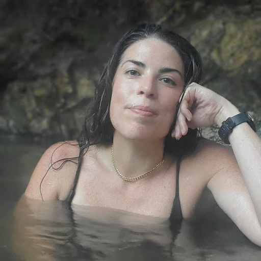 Amanda Armstrong