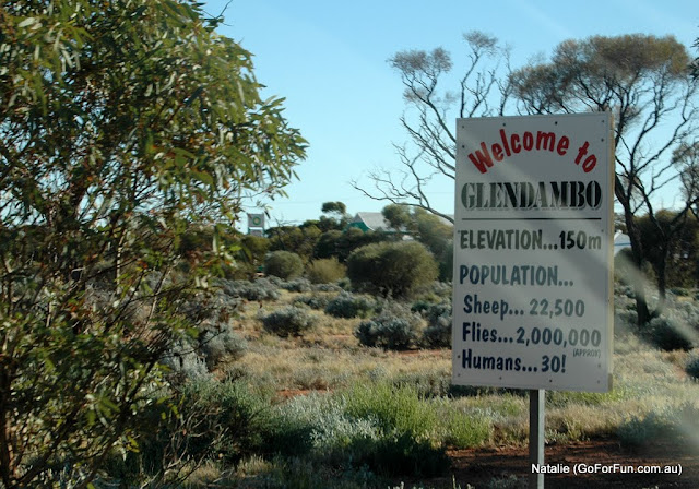 from Melbourne to Coober Pedy and back: Easter trip: Glendambo
