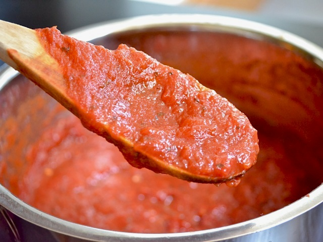 Thick & Rich Pizza Sauce - Budget Bytes