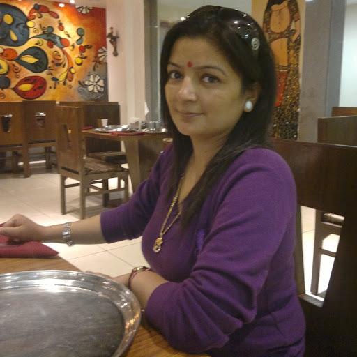 Sherry Thakur Photo 4