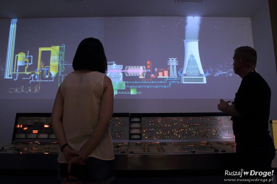Kasia poznaje tajniki powstawania prądu w Bełchatowskiej elektrowni