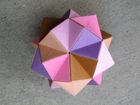 Icosahedron made of Sonobe units.