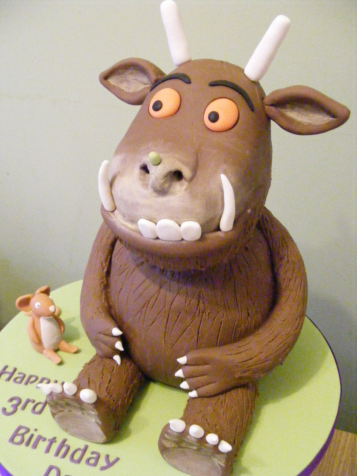 how to make a gruffalo out of fondant
