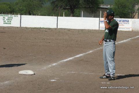 Vicente Garza de Águilas en el softbol del Club Sertoma