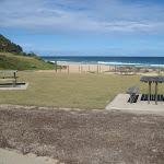 Garie Beach picnic setting (44008)