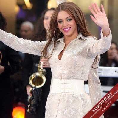 Nữ ca sĩ Beyonce có đến ba tay.