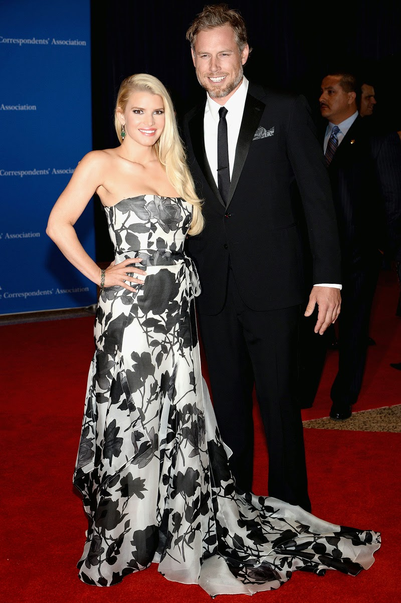 It's official: Jessica Simpson Marries Eric Johnson