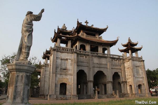 Nhà thờ Đá Phát Diệm - Ninh Bình