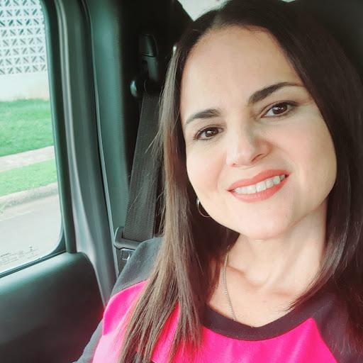 Aida Castillo Photo 20