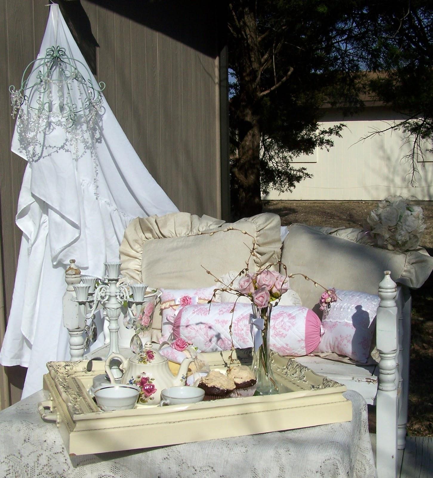 Olivia's Romantic Home: Tiny Romantic Porch