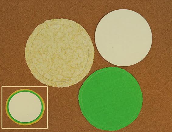 Círculos de papelão e tecido para cesta