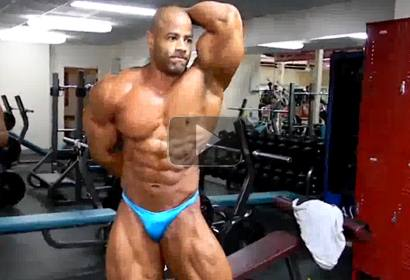720p HD Video of Manuel Romero Posing After Workout