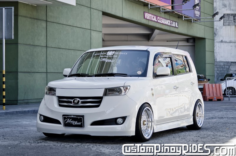 Slammed and Stanced Brothers Toyota bB1 and bB2 Custom Pinoy Rides Car Photography Manila Philippines Philip Aragones THE aSTIG pic21