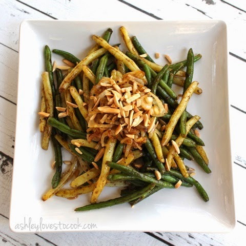 Balsamic Green Beans with Caramelized Onions || ashleylovestocook.com