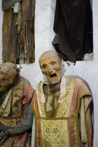 коридор священников