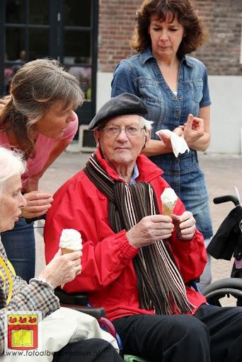 Rolstoel driedaagse 28-06-2012 overloon dag 2 (18).JPG