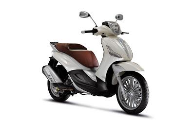 2011-Piaggio-Beverly-Tourer-300-1