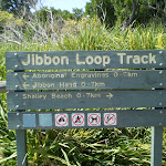 Sign at intersection at the northern end of Jibbon Beach (32954)