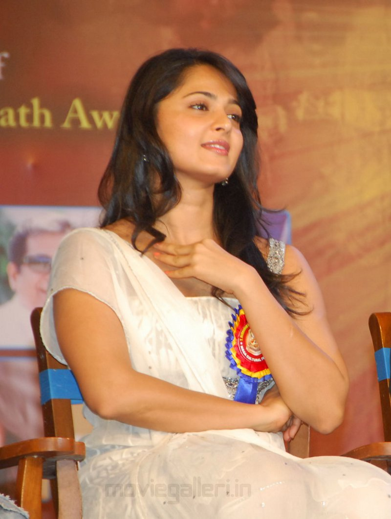 Cute Anushka Shetty  Tsr Awards 2011 Event Stills -4671
