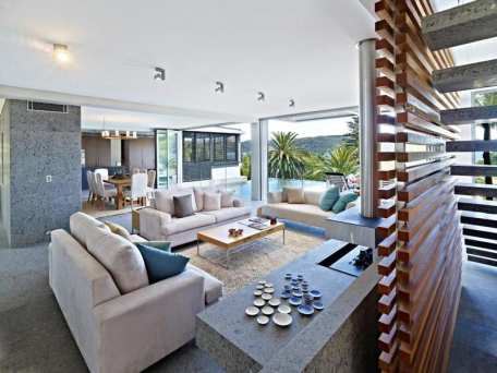 Coastal style a modern australian beach house for Beach house style