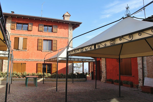 Agriturismo Villa Di La' Di Marco Raimondi