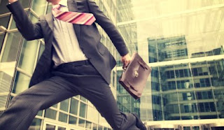 businessman%20running.JPG (288×167)