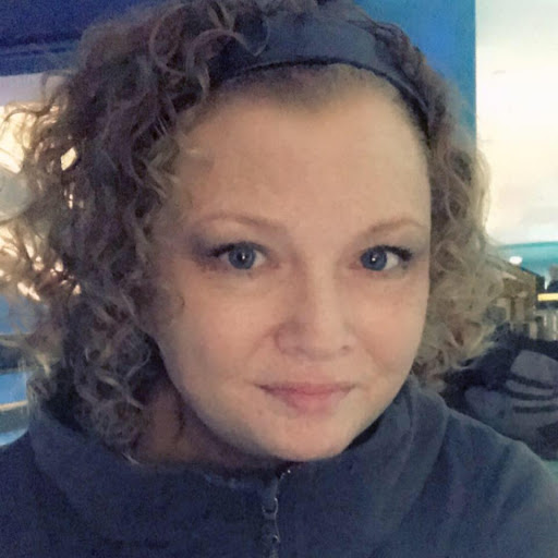 Shelly Martin Photo 6