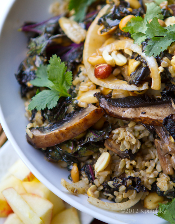 spicy peanut portobello kale rice bowl i m on a spicy peanut rice bowl ...