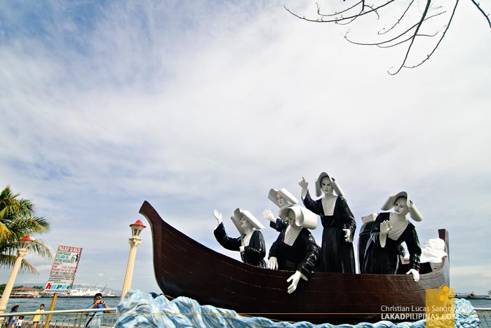 Sculpture of Nuns at Rizal Boulevard at Dumaguete City