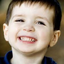 Phát triển cảm xúc và kỹ năng giao tiếp của trẻ 2 tuổi