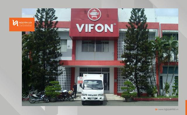 xe tải chở hàng công ty Vifon