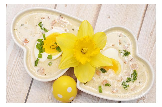 Wielkanocna zupa chrzanowa z jajkiem
