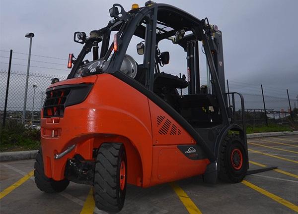 Xe nâng hàng Linde LPG Forklift