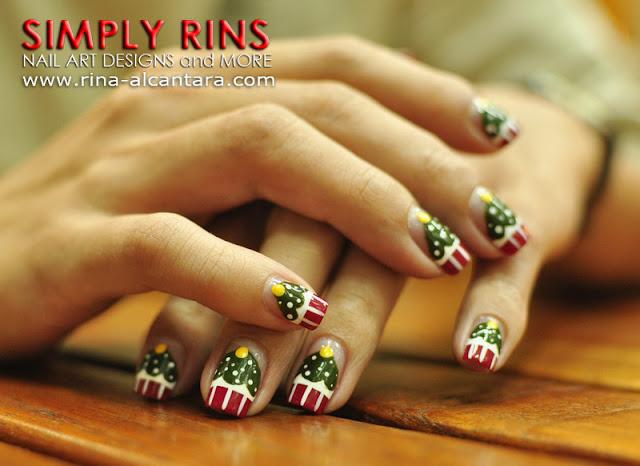 Christmas Tree Cupcakes Nail Art Design