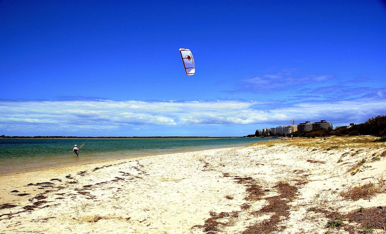 FileCaloundra Queensland   Golden Beach Kite surfing