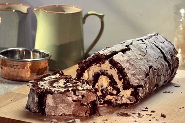 Rocambole de Chocolate com Recheio de Menta