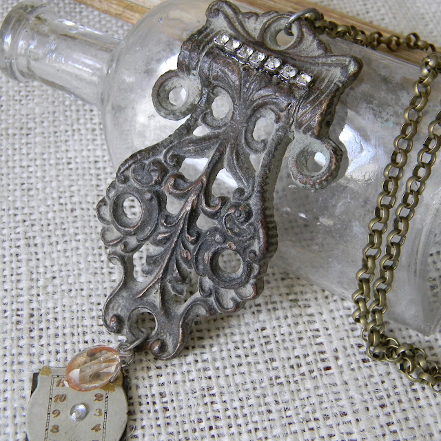 pic of beautiful necklace
