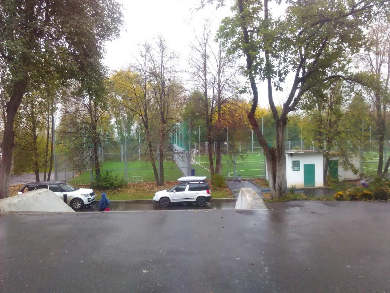 корт перед бассейном Нефтяник Уфа