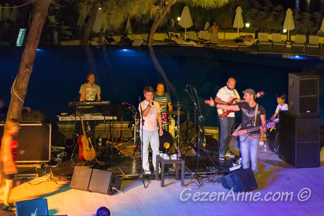 havuz başı Bora Öztoprak konseri, Bodrum Park Resort
