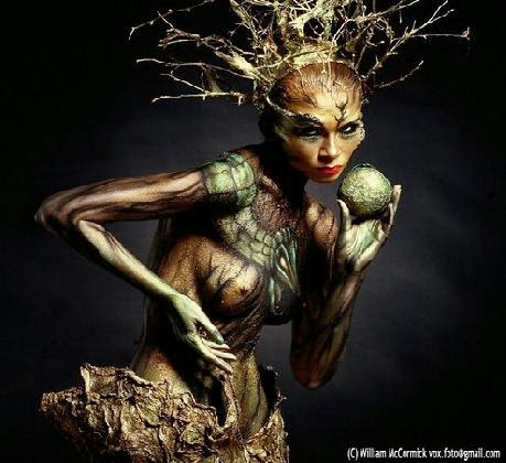 30 Amazing Examples of Creative Body Paint Art  The Inspiration Blog