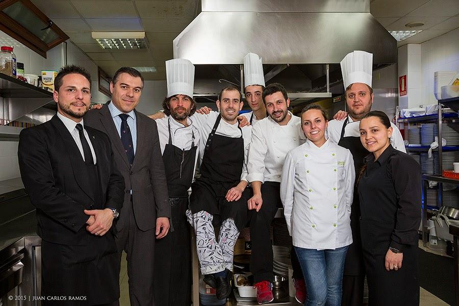 Ivan Cerdeño con el equipo del Restaurante El Carmen de Monte Sión por Juan Carlos Ramos fotógrafo Toledo