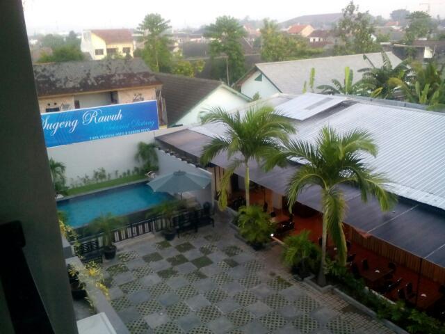 Tirta Kencana Hotel and Garden Resto