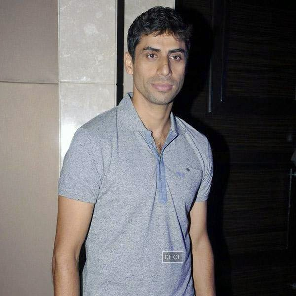 Ashish Nehra attends the launch of Pro Sport centre, a fitness training and physiotherapy service centre, held in Mumbai, on July 29, 2014.(Pic: Viral Bhayani)