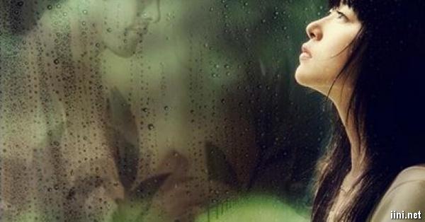 ảnh nhớ người yêu trong mưa