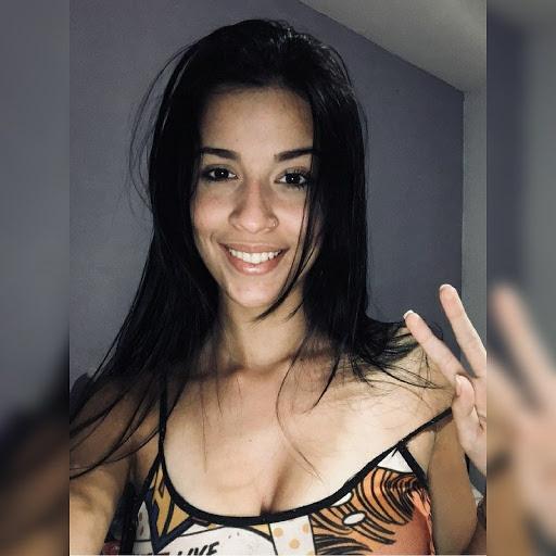Nayra Pereira Photo 3