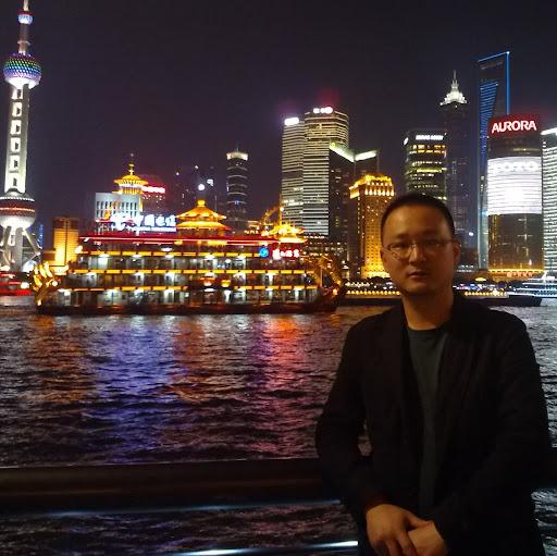 Dong Li Photo 14